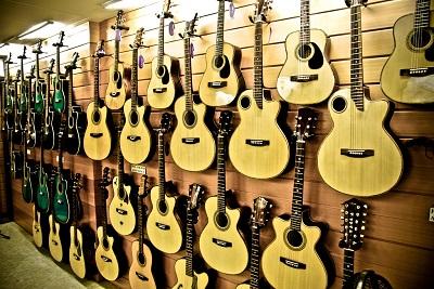 宿霧遊學guitar工廠