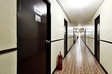 help學校-clark校區-宿舍走廊