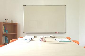 C2語言學校-團體教室1