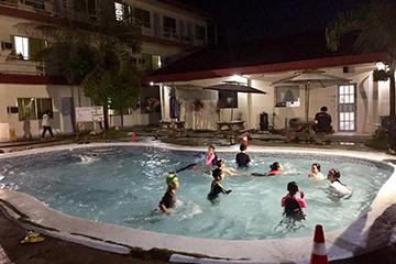 C2語言學校-游泳池