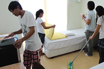 HOWDY語言學校-免費打掃洗衣服務