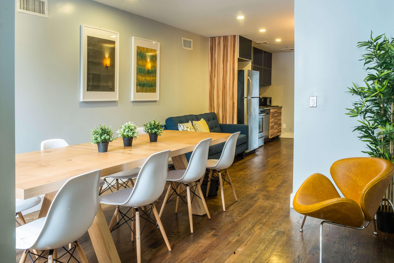Duplex Workspace. Alexu0027s Lounge