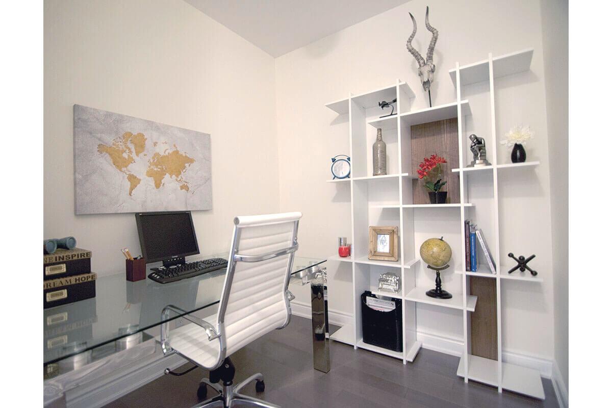 Small Den in Model Suite
