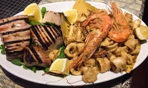 Menu di mare con vino per 2 o 4 persone al ristorante Fuori Piazza (sconto fino a 59%)