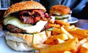 """Menu """"Trinacriaburger"""" con arancini, superburger o pane e panelle, dolce e birra per 2 o 4 persone da La Tana dell'Orco"""