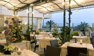 Menu gourmet à la carte di 3 o 4 portate e vino al ristorante La Conchiglia dell'Hotel Astor, con terrazza vista mare