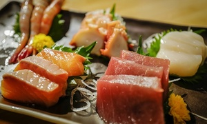 Menu sushi fusion giapponese con calice di vino per 2 o 4 persone all'Izakaya Florence Sushi Home (sconto fino a 55%)