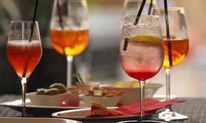 Aperitivo con buffet e uno o 2 cocktail o calici di vino a testa e shot da La Farmacia dei Sani (sconto fino a 56%)