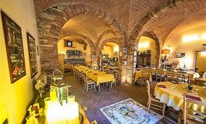 Cena romantica con Spa, 2 bottiglie di vino e camera day use a Le Vecchie Cantine (sconto 55%)