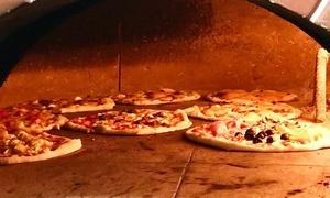 Menu pizza alla carta con vino per 2 o 4 persone al ristorante Fuori Piazza (sconto fino a 63%)