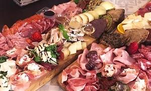 Tagliere da 1,6 kg di salumi e formaggi con calice di vino a scelta per 2 o 4 persone da I Frari (sconto fino a 58%)
