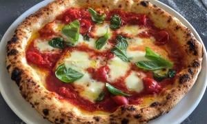 Pizza cotta in forno a legna con antipasto e dolce per 2 o 4 persone al Ristorante La Musica (sconto fino a 54%)