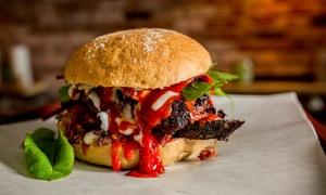 Menu hamburger della trattoria da 250 gr con dolce e birra per 2 persone alla Trattoria Da Gina (sconto fino a 58%)