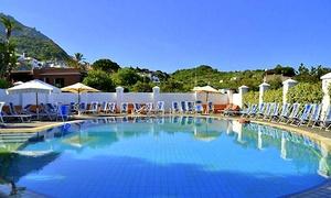 Ischia: fino a 7 notti con mezza pensione e piscine termali