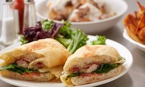 Menu con insalata, sandwich, toast o wrap, estratto o frullato e yogurt per una o 2 persone al ristorante 4S Place