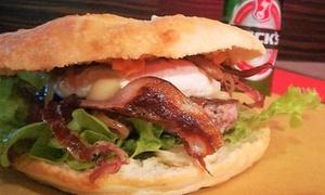 Menu hamburger con antipasto, dolce e birra per 2 o 4 persone a Il Portone Pazzo (sconto fino a 54%)