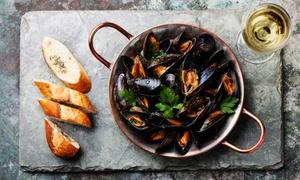 Menu di pesce con calice di vino per 2 persone al Ristorante Coffee Beans (sconto 65%)