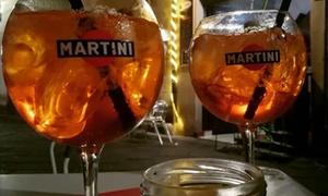 Aperitivo con cocktail o vino e 2 shot per 2 persone al bar Gradisca 1973 (sconto 55%)