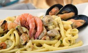 Sapori di mare tipici campani o pizza e birra al ristorante Pizza Cozze & Babà (sconto fino a 51%)