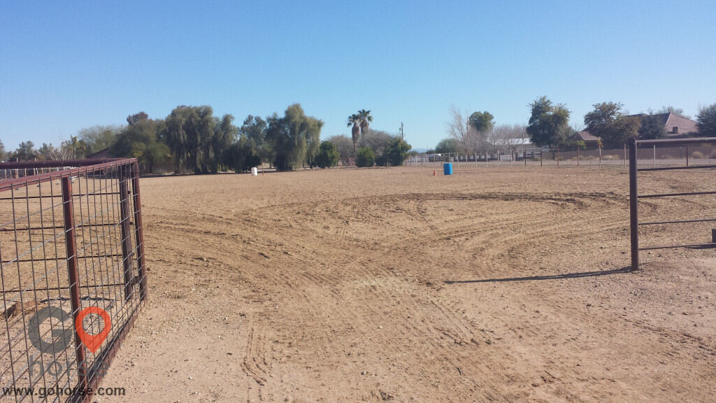 R Kinda Ranch Horse stables in San Tan Valley AZ 5