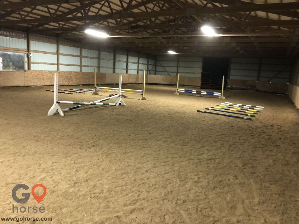 Sumnerhill Stables Horse stables in Swisher IA 4