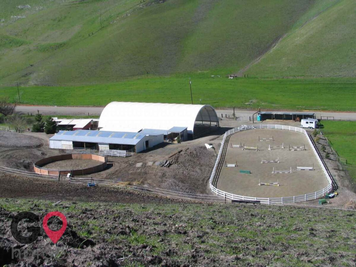 Meandering Creek Equestrian Center Horse stables in Livermore CA 1