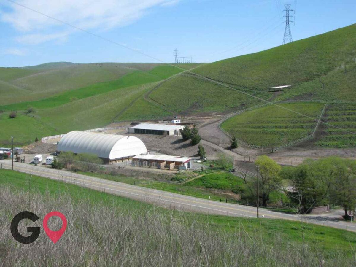 Meandering Creek Equestrian Center Horse stables in Livermore CA 3