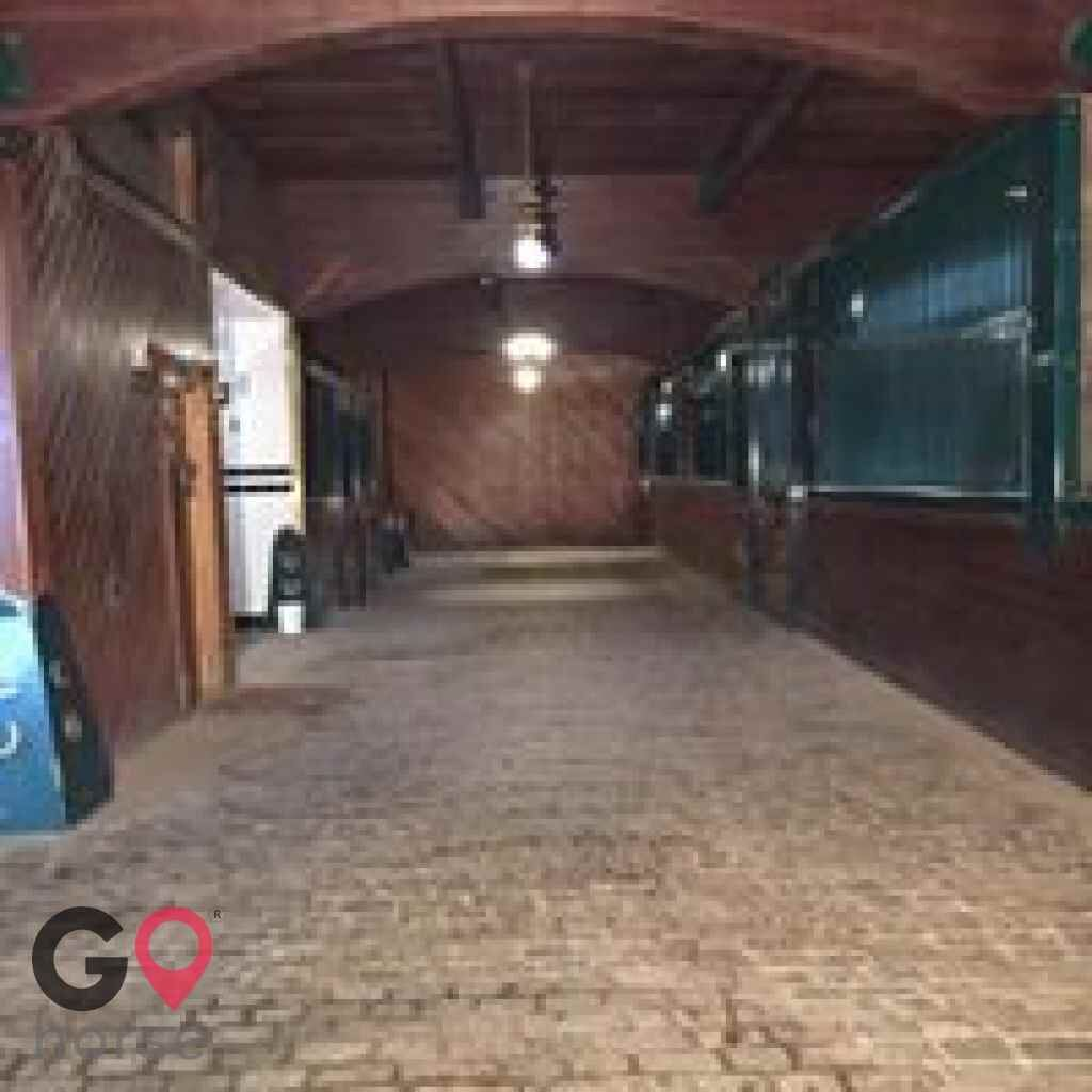 The Stable at Maple Hill Horse stables in Buffalo MN 7