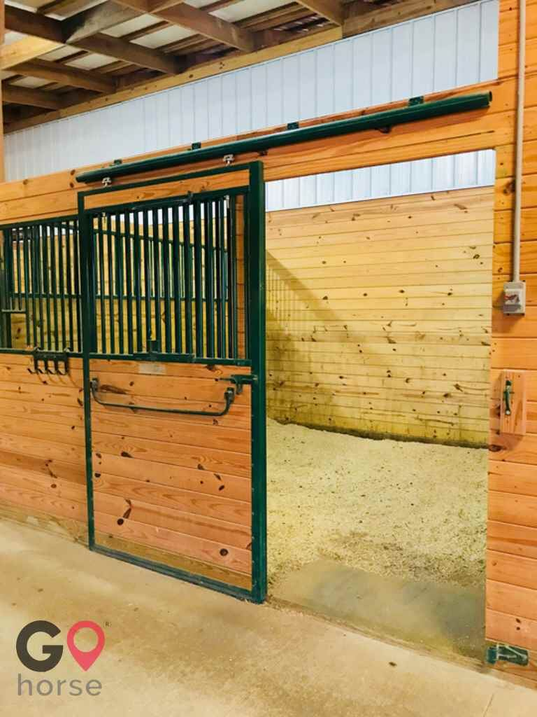 Pillars Equestrian Center Horse stables in Waldorf MD 10