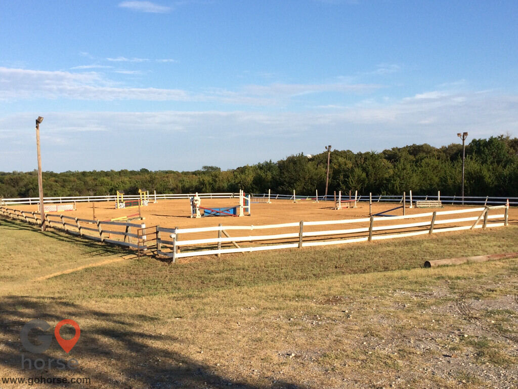 Colonial Equestrian Center Horse stables in Princeton TX 22