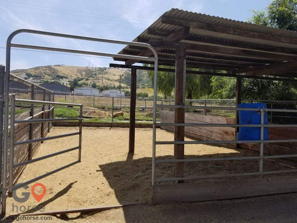 Pepper Creek Equine Center Horse stables in Ramona CA 8