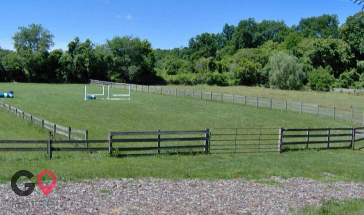 GoHorse | Changewater Stables | Horse Stables in ...