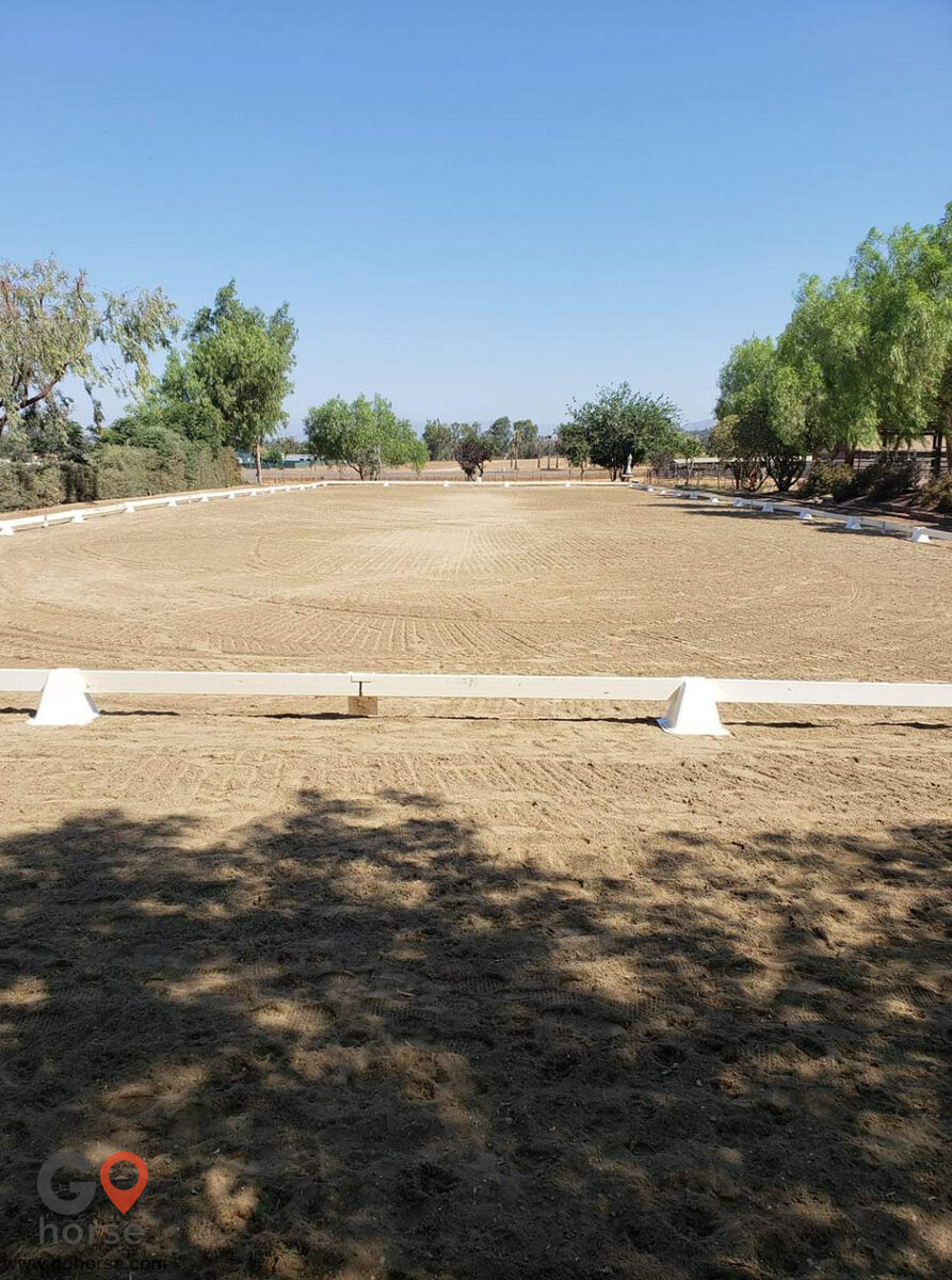 Pepper Creek Equine Center Horse stables in Ramona CA 6