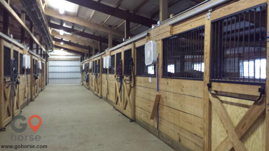 Stillwater Stables Horse stables in Bondurant IA 11