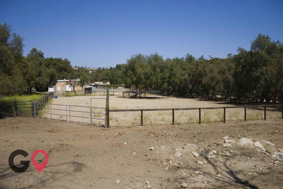 Blue Rose Equestrian @ Onden River Ranch Horse stables in Moorpark CA 18