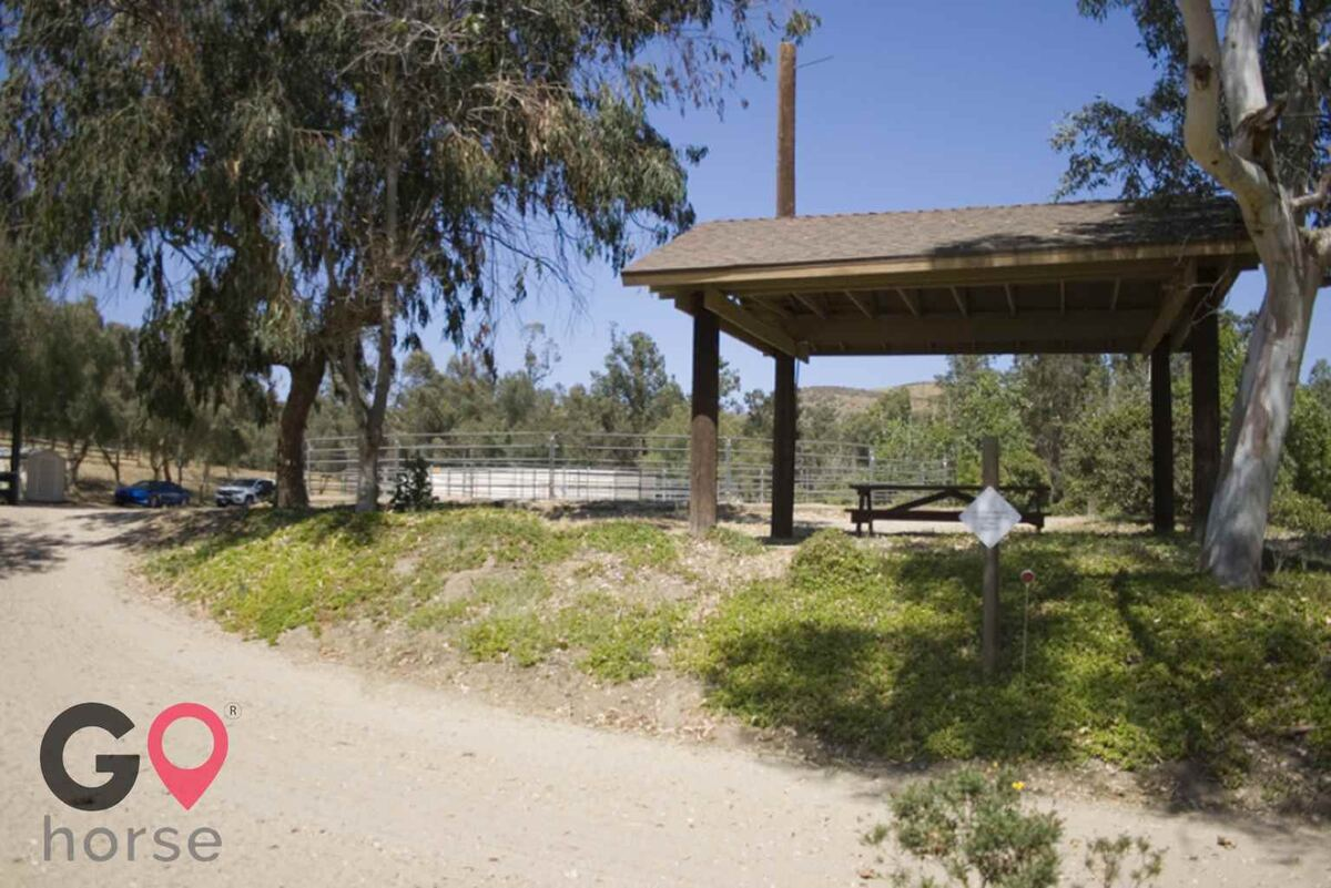 Blue Rose Equestrian @ Onden River Ranch Horse stables in Moorpark CA 22