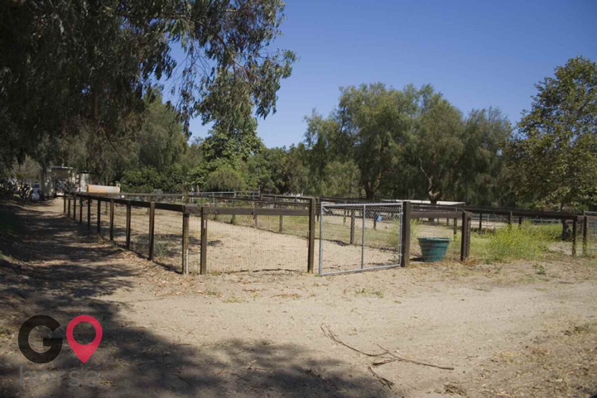 Blue Rose Equestrian @ Onden River Ranch Horse stables in Moorpark CA 15