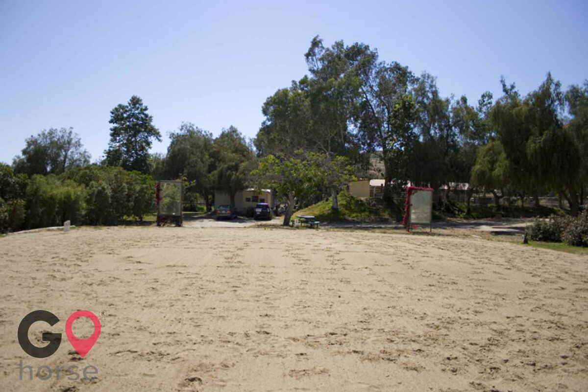 Blue Rose Equestrian @ Onden River Ranch Horse stables in Moorpark CA 5