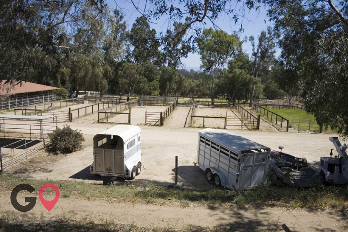 Blue Rose Equestrian @ Onden River Ranch Horse stables in Moorpark CA 14