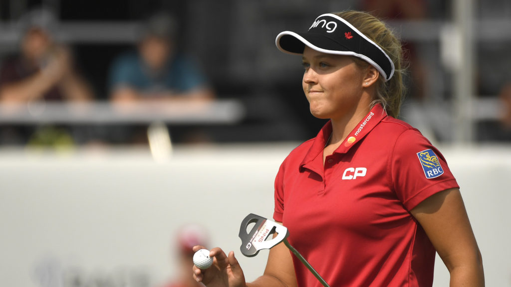 canada u0026 39 s brooke henderson moves one shot off clubhouse