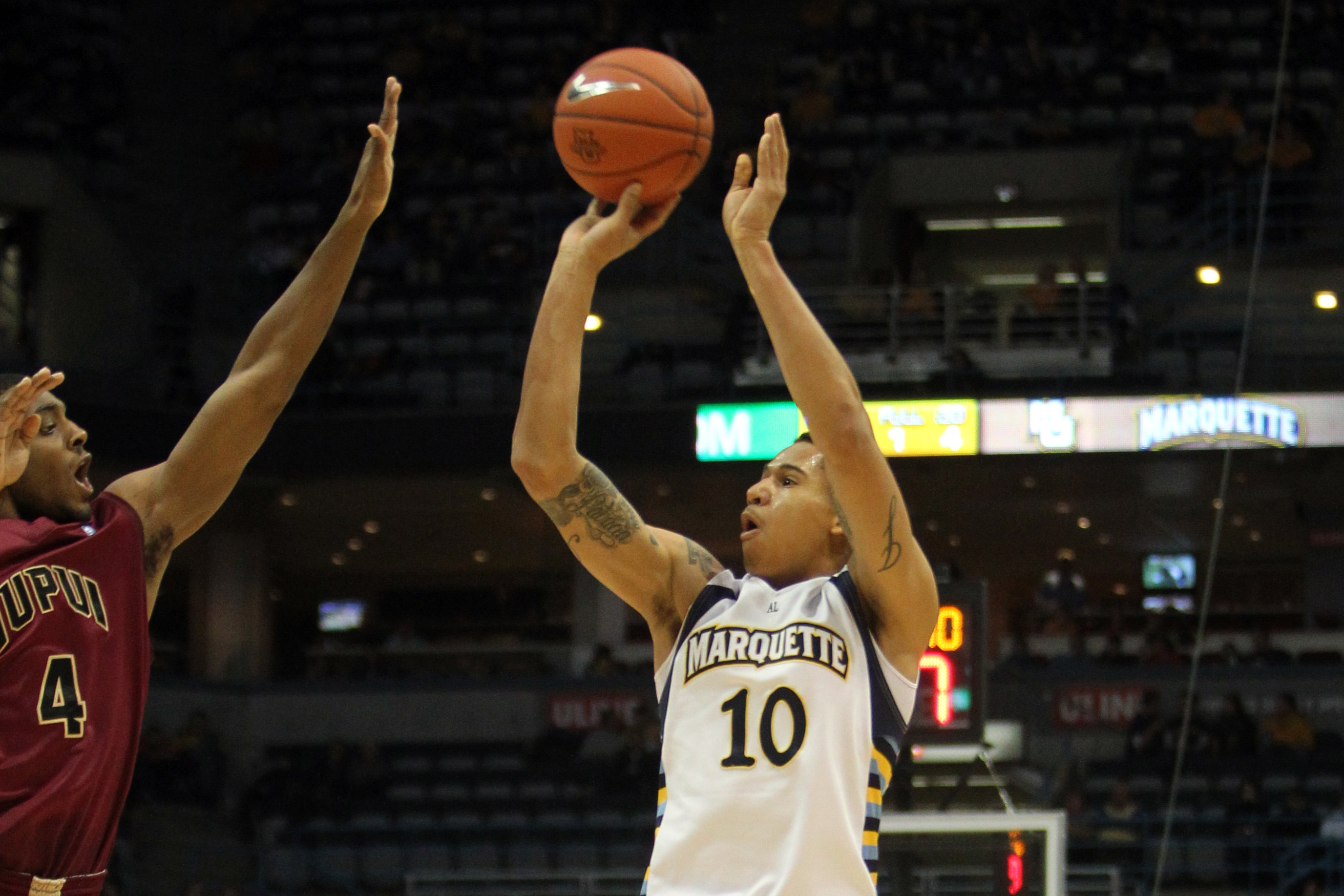 Juan Anderson knocks down one of his three first-half 3-pointers en route to an 11-point effort vs. IUPUI