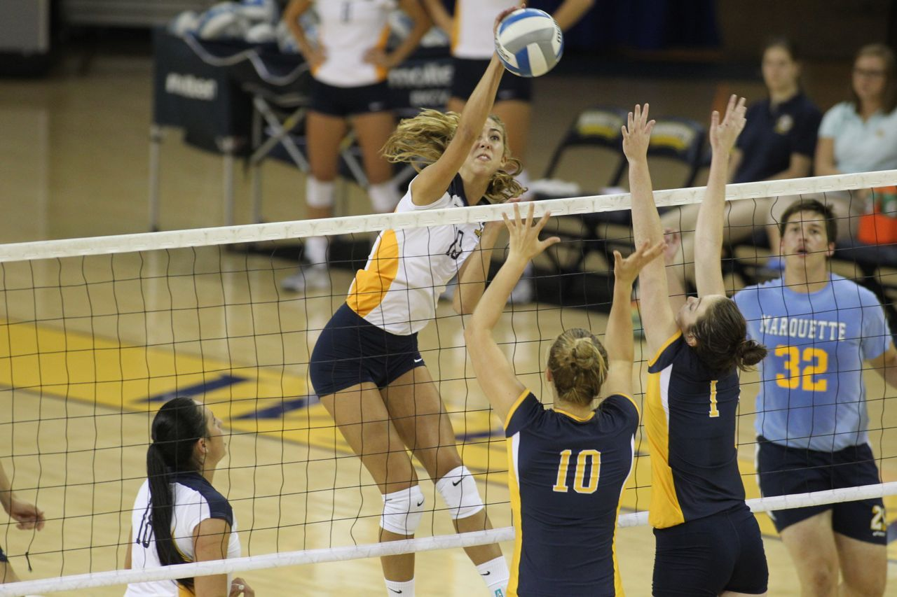 Sophomore Teal Schnurr started the final 16 matches of her freshman year at middle hitter in 2013.
