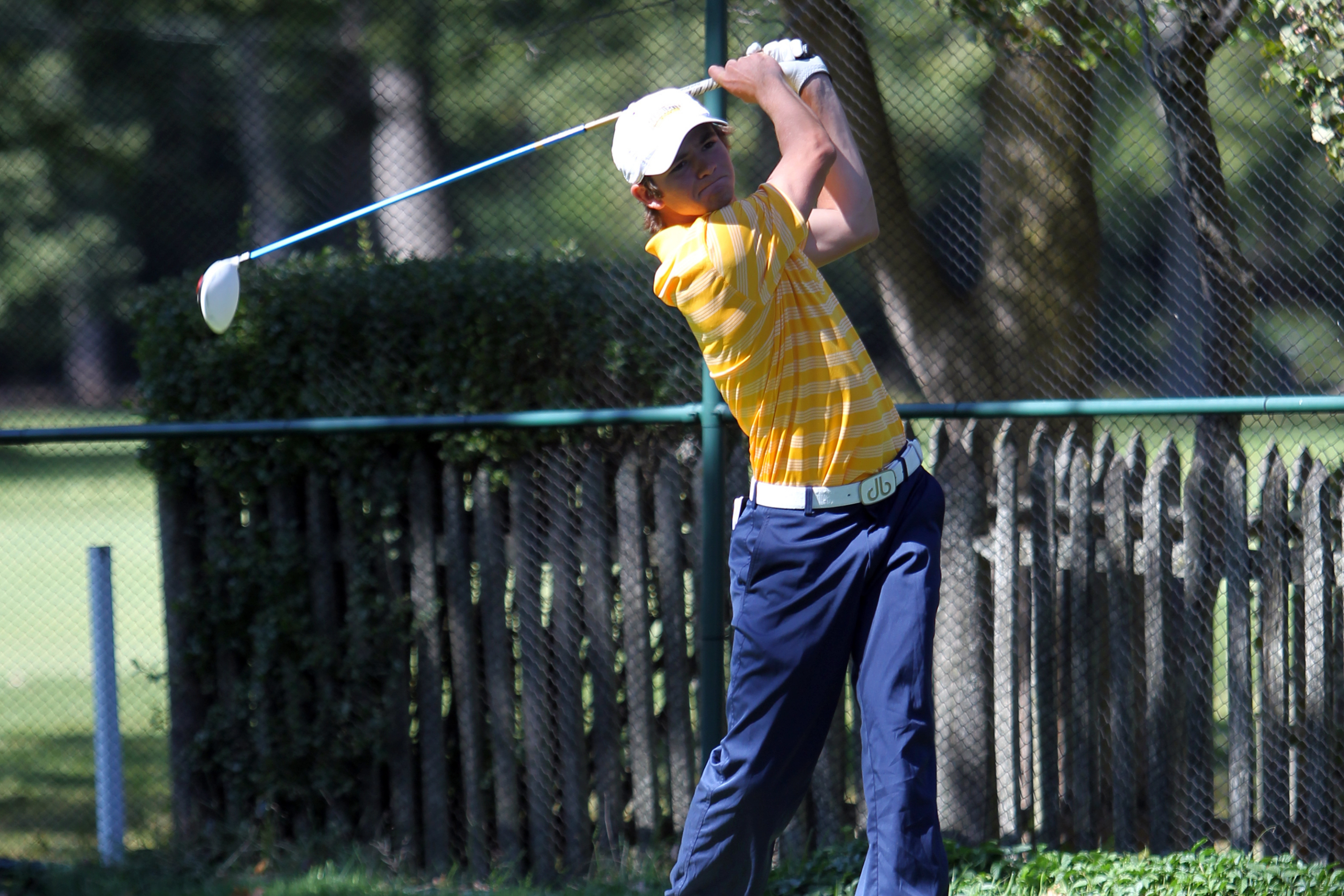 Pat Sanchez led the Golden Eagles with an 11th place individual finish