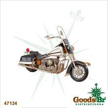 _MOTO POLICE EM METAL TANQ BRANCO OLDWAY 37x57x23cm