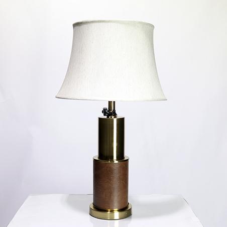 Abajur Cúpula Bege Base MetalPu Marrom e dourado 70X40X40Cm