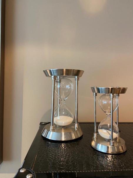 Ampulheta Grande Inox Vidro PrATA 23X15X15CM