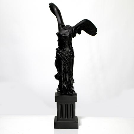escultura corpo asas resina preto 39x15x15cm