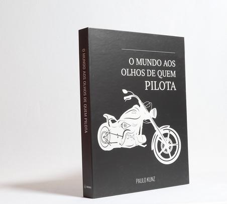 BOOK BOX METALIZ O MUNDO AOS OLHOS DE QUEM PILOTA 30x24x4cm