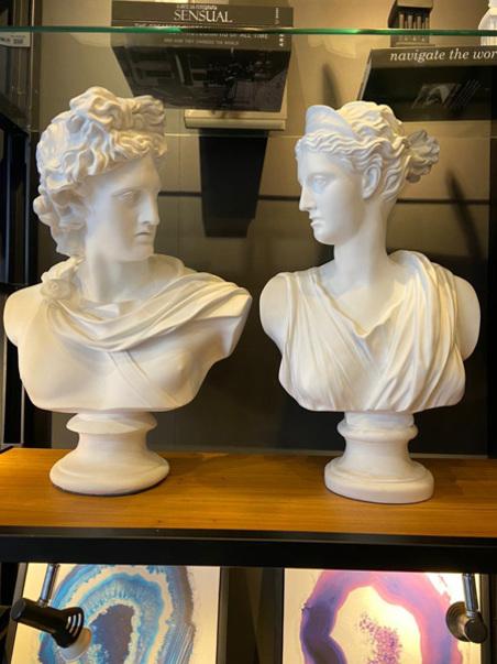 Escultura Busto Apolo Resina BRANCA 71X40CM
