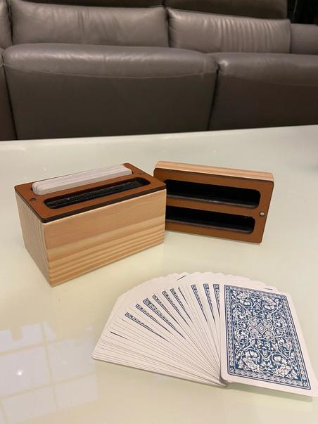 estojo 2 baralhos madeira natural recouro caramelo9,5x6,8x12